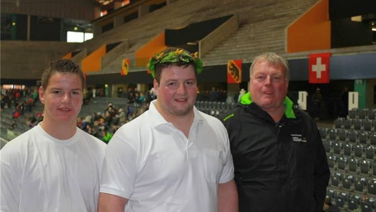 Eine starke Bande: Damian Gnägi, Florian Gnägi und Vater Erich Gnägi (von links).