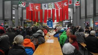 1.-Mai-Feier auf dem Kirchplatz in Dietikon