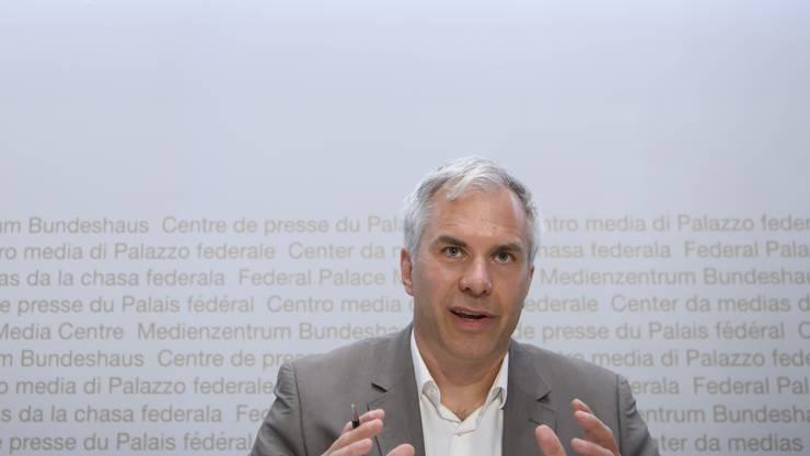 Die Schweiz muss ihre Reproduktionszahl wieder längerfristig und deutlich unter 1 bringen, so Martin Ackermann, Leiter der wissenschaftlichen Task Force.