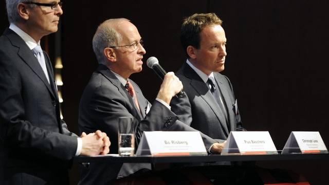 Die Hilti-Konzernleitung mit Pius Baschera (M), VR-Präsident, Bo Risberg (l), CEO und Christoph Loos, Mitglied der Konzernleitung