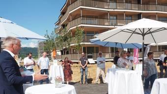 Fortimo-CEO Elias Zürcher (links) begrüsste in Stein mehr als 200 geladene Gäste.