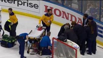Kevin Fiala verletzt sich nach einem Check von Robert Bortuzzo im Spiel gegen die St. Louis Blues.