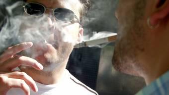 Umstritten: Die Rauchpause während der Arbeitszeit.