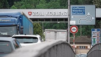 Am Zoll bei Koblenz staut sich der Verkehr regelmässig.