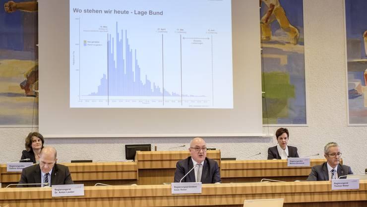 Zum ersten Mal seit drei Monaten trat die Baselbieter Gesamtregierung – in der Mitte Präsident Isaac Reber – wieder gemeinsam auf.