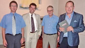 Biels Stadtpräsident Erich Fehr, Chefdirigent Kaspar Zehnder, Stadtpräsident Kurt Fluri und Intendant Dieter Kaegi beim «Taufakt».