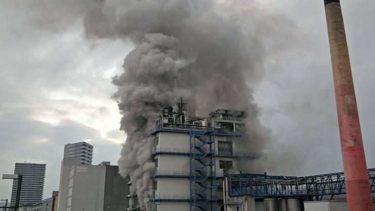 Im Februar 2016 stieg über dem Gebäude der Rohner AG dichter Rauch auf.