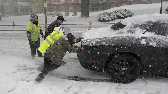 Schneesturm in den USA fordert 8 Menschenleben
