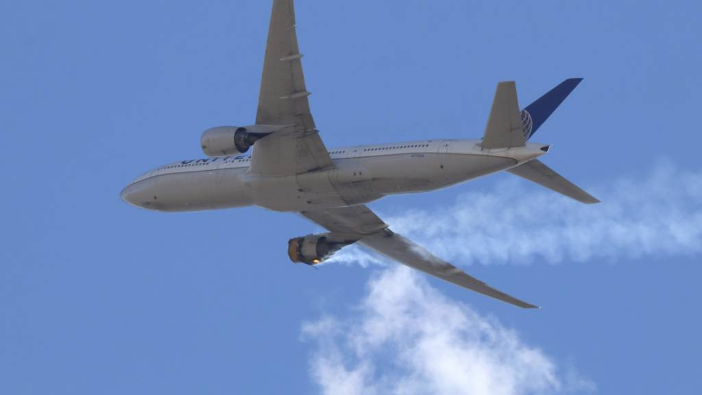 Nach Triebwerksausfall bei Denver kündigt Luftfahrtbehörde Prüfung an