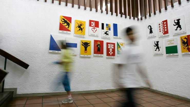 Kantonswappen in der Schweizer Schule in Brasilien.
