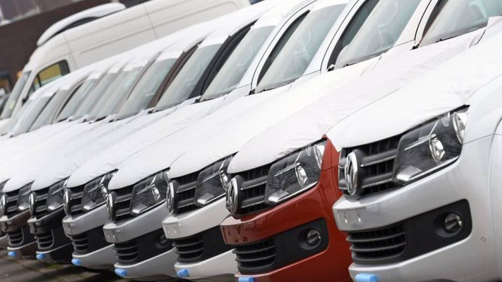 VW hat trotz des Abgasskandals erstmals seit Monaten wieder ein kräftiges Plus bei den Autoverkäufen eingefahren. (Archiv)