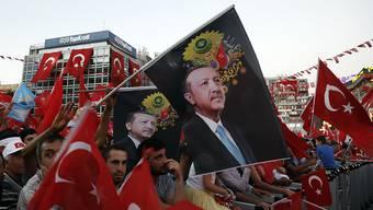 Liess den zweijährigen Ausnahmezustand im Land auslaufen: Türkeis Staatspräsident Recep Tayyip Erdogan. (Archivbild)