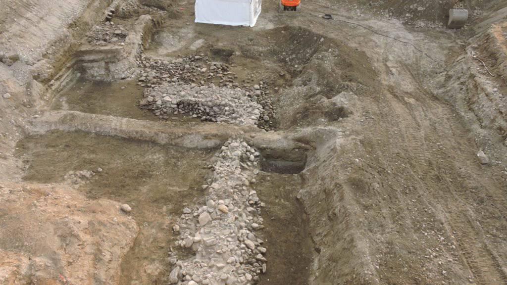 Eine Mauer aus der späten Eisenzeit ist in der Tessiner Ortschaft Gudo entdeckt worden.