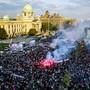 Mit einer Massenkundgebung reagierte Serbiens Präsident Vucic auf die seit Ende des vergangenen Jahres anhaltenden wöchentlichen Proteste der Opposition und regierungskritischer Bürger.