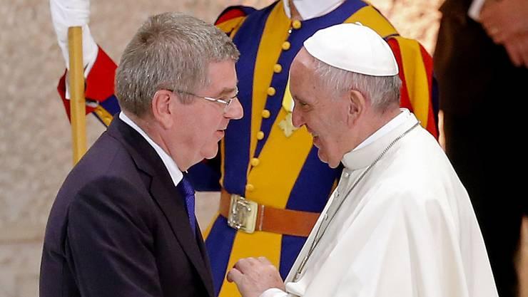 Reicht Gottvertrauen im Kampf gegen russisches Staatsdoping? IOC-Präsident Thomas Bach traf diese Woche an der ersten Konferenz über Glauben und Sport Papst Franziskus.