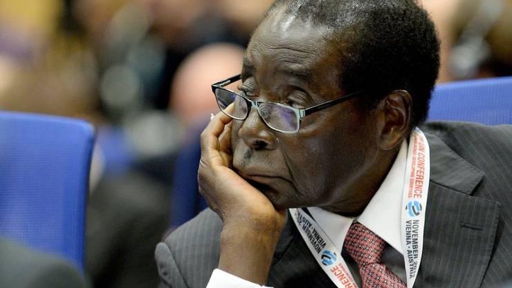 Simbabwes Präsident Robert Mugabe hat den Katastrophenzustand für die ländlichen Gebiete ausgerufen. (Archivbild)