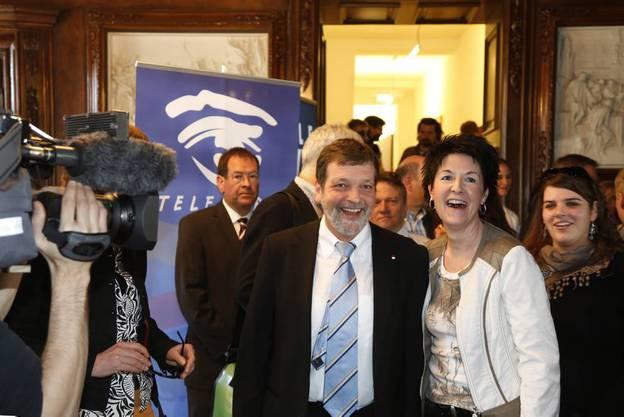 Roland Heim und die designierte CVP-Parteipräsidentin Sandra Kolly freuen sich über die Wahl