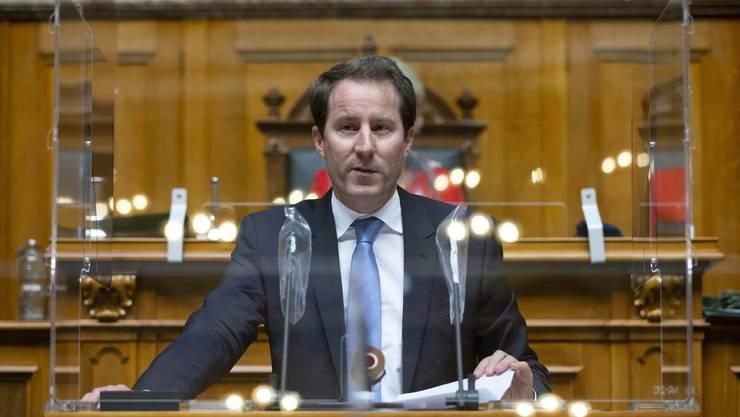 Thomas Aeschi ist Fraktionschef der SVP. Der Bundesrat muss der EU nun reinen Wein einschenken, fordert er.