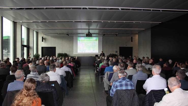 """Über 220 Gäste lauschten den Ausführungen zum Thema """"Energiewende -  der Nutzen, die Kosten""""."""