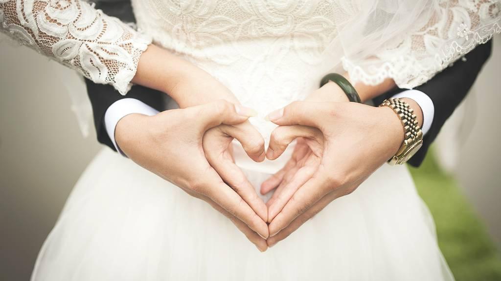 Luzerner Brautpaar erzählt von Hochzeitsplänen