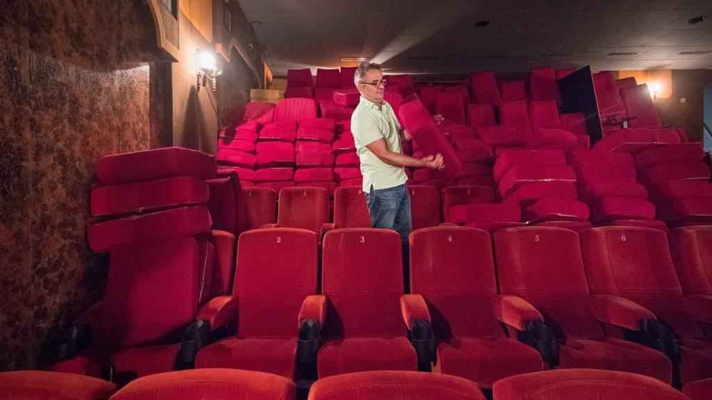 Wer will einen Kino-Rex-Sitz?