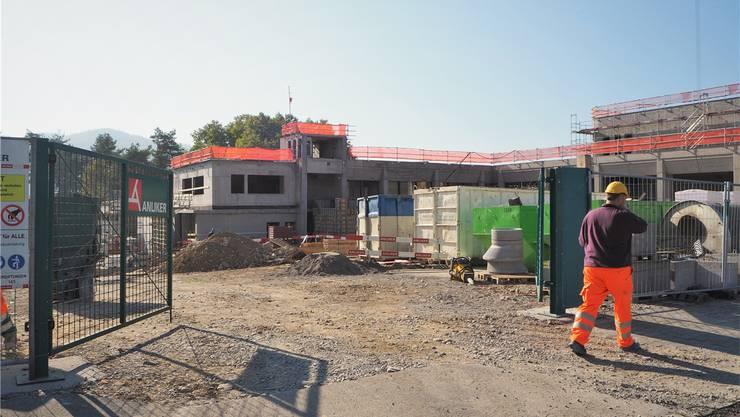 Anfang März ist der Spatenstich für den Umbau und die Sanierung des «Tägi» erfolgt. Die Bauarbeiten sind im vollen Gange.