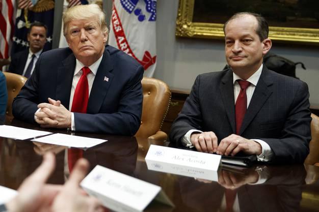 Alexander Acosta (rechts) hat Epstein zu einem Superdeal verholfen.