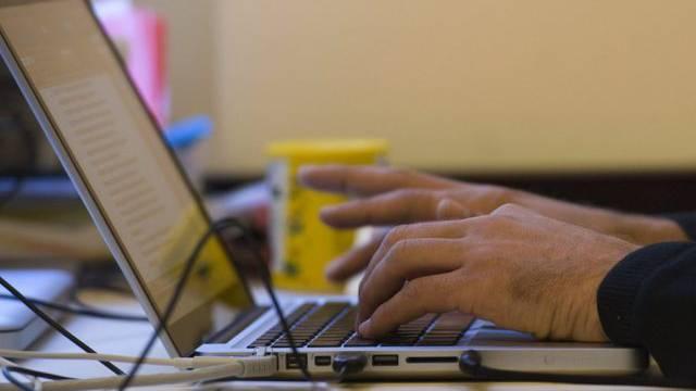 Die Dörfer im Bucheggberg sollen einen schnelleren Internetzugang erhalten. (Symbolbild)
