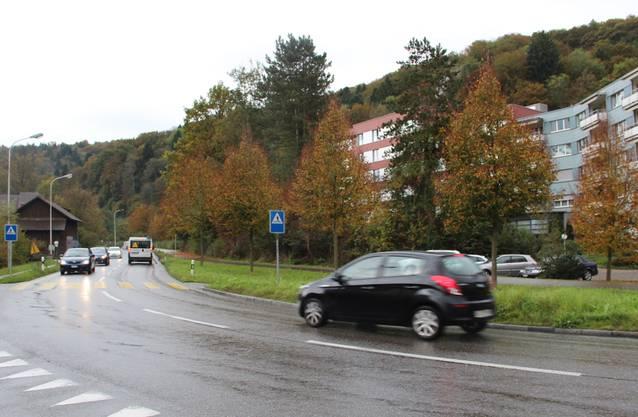 Hilfikerstrasse: Beim Seniorenzentrum, ein Abschnitt, 124 Meter.