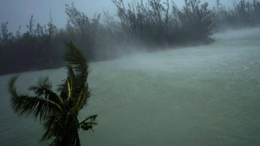 Mit Windgeschwindigkeiten von über 200 Stundenkilometern traf der Hurrikan «Dorian» auf die Bahamas.
