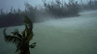 """Mit Windgeschwindigkeiten von über 200 Stundenkilometern traf der Hurrikan """"Dorian"""" auf die Bahamas."""