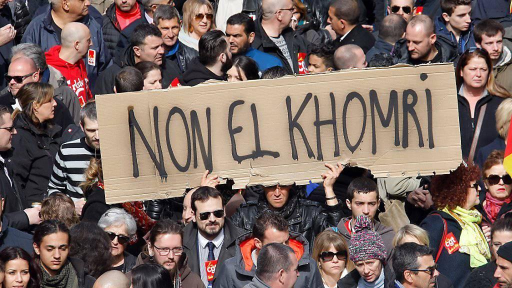 Arbeiter und Studenten protestieren in Marseille gegen die Arbeitsmarktreform von Ministerin El Khomri.