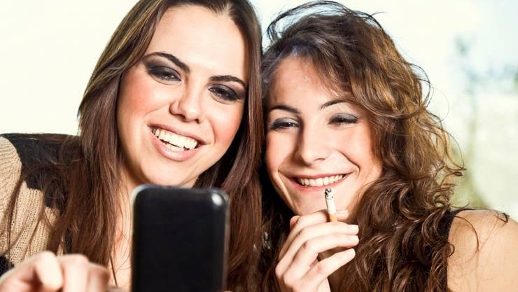 Online-Werbung für Tabakprodukte zielt laut dem Bund häufig auf junge Menschen.iStockphoto