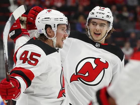 In seinem zweiten NHL-Jahr bewegt sich der Nummer-eins-Draft punktemässig ungefähr auf dem Niveau der Vorsaison. Und doch hat er wie die ganze Mannschaft der Devils Mühe, das Niveau des letzten Jahrs zu erreichen. Die Teufel gehören zu den schlechtesten Teams der Liga. Hischier übernimmt als 19-Jähriger viel Verantwortung, aber das reicht wohl trotz allem nicht für die Playoff-Quali. (28 Spiele, 8 Tore, 13 Assists, 21 Punkte, –2-Bilanz, 4 Strafminuten, Eiszeit pro Spiel: 18:10 Minuten)