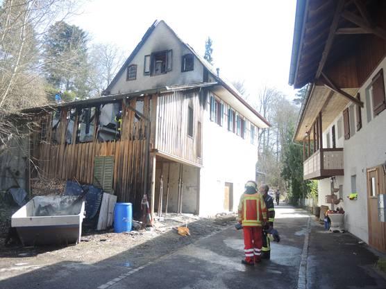 So sahen Schopf und Haus am Tag nach dem Brand aus.