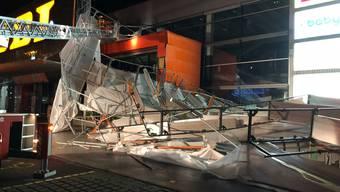 Wetter_20181019_Baugerüst in Oftringen eingestürzt (2)