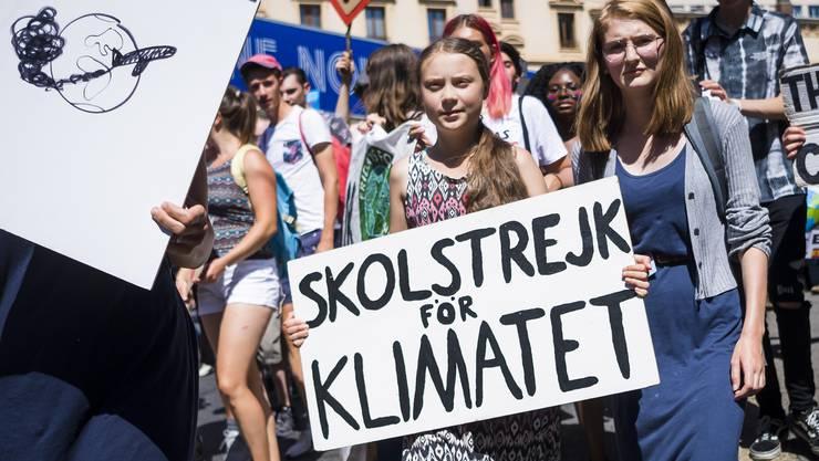 Greta Thunberg demonstrierte mit über 2500 vorwiegend jugendlichen Klima-Aktivisten für einen besseren Klimaschutz.