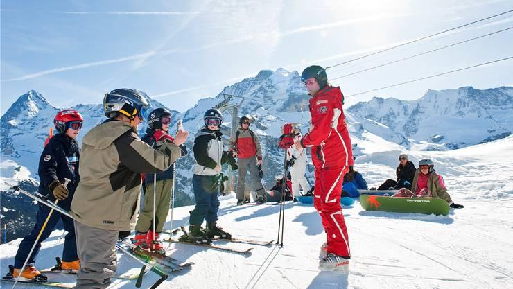 Nach einem Bundesgerichtsurteil müssen die Kantone die Finanzierung der Skilager überdenken.