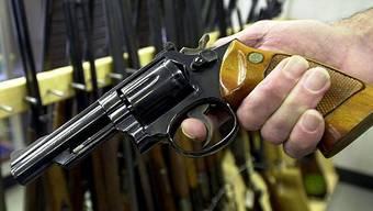 Die Finnen gaben zu, mehrmals mit einer Pistole und einem Revolver in die Luft geschossen zu haben. (Archiv)