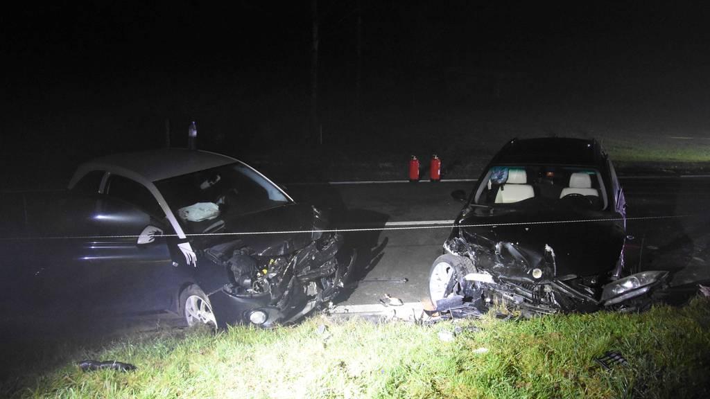 Nach Frontalcrash: 56-jährige Autofahrerin ins Spital gebracht