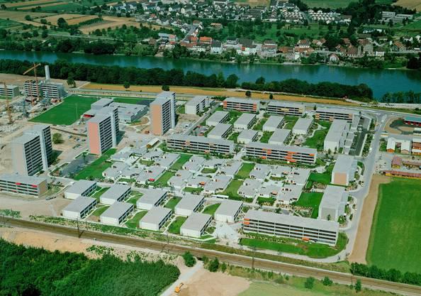 Luftaufnahme der Siedlung Augarten Rheinfelden während der Bauzeit 1974.