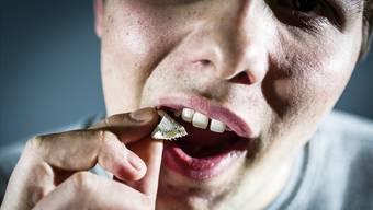 Die Tabakindustrie erzielt einen Etappensieg: Kioske dürfen weiterhin Snus-ähnliche Produkte verkaufen. Chris Iseli