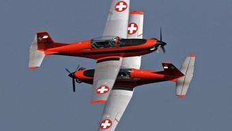 Auch die Kunstflugstaffel fliegt PC-7-Maschinen (Archiv)