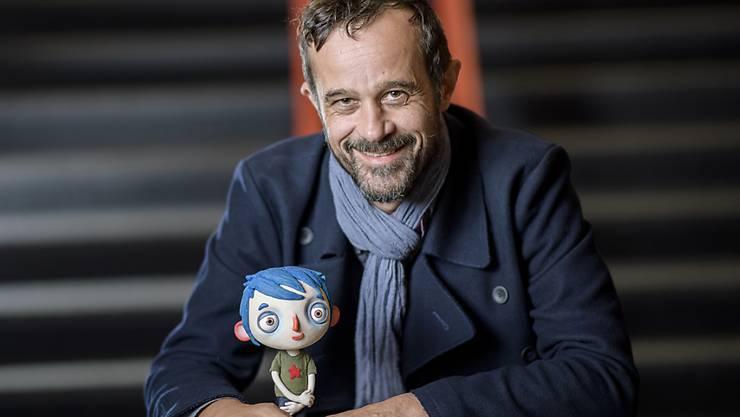 Der Regisseur Claude Barras (hinten) und seine Animationsfigur Courgette (vorne) sind mitverantwortlich für den Höhenflug, den der Schweizer Film 2016 gemacht hat. (Archivbild)