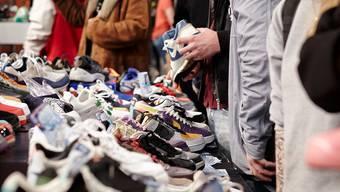 Sneaker-Hype unter Jung und Alt (Symbolbild).