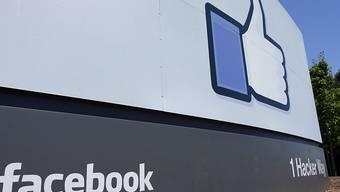 Der Facebook-Konzern will bei den anstehenden US-Wahlen verstärkt in das Geschehen eingreifen. (Archivbild)