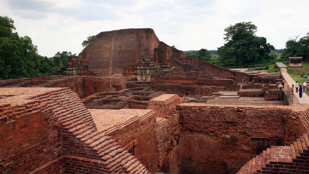 Die Ruinen der Nalanda-Universität in Indien sind neu in die UNESCO-Welterbe-Liste aufgenommen worden. Am Sonntag entscheidet sich, ob auch das architektonische Werk von Le Corbusier auf die Liste kommt.
