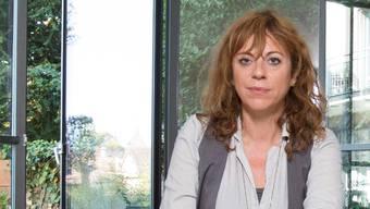 Filmregisseurin Sabine Boss zu Hause in Schaffhausen. Sie wohnt in einer ehemaligen Arztpraxis.