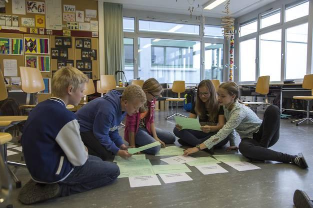 Waltenschwiler Schüler im Medien-Sensibilisierungstraining.