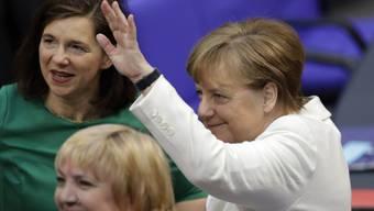 """""""Wir schaffen das"""", sagte Angela Merkel im Spätsommer 2015. Doch die Migrationsbehörde war für den Ansturm nicht gewappnet."""